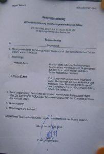 Tagesordnung - Fotografie von der Amtstafel