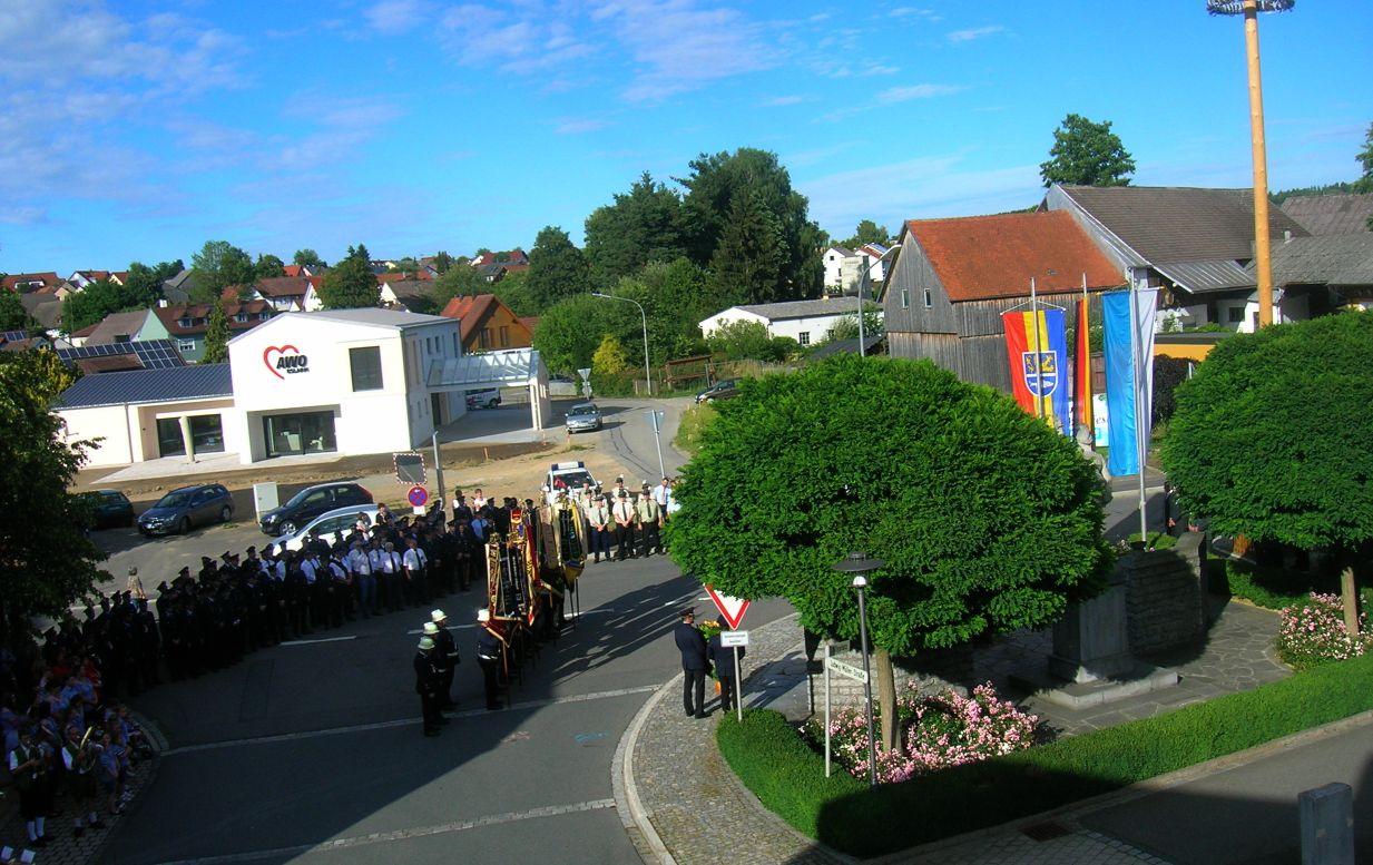 Einmarsch des Gedenkzuges am Tillyplatz
