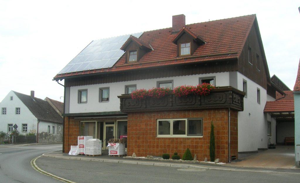 Bild vom 1..08.2020 - Ehem. Bäckerei Kaiser (Moosbacher Strasse) - Unverändert im Umbau
